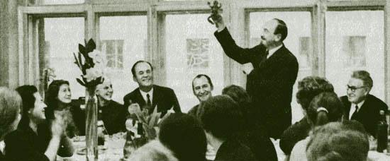 праздник после защиты докторской диссертации А В Трубецкого в  праздник после защиты докторской диссертации А В Трубецкого в лаборатории Института терапии